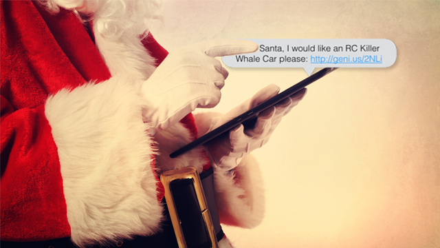 Santa grtting a text from someone asking for an rc car using a geniuslink.